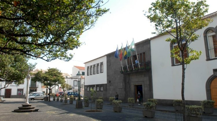 Santa Cruz adota medidas de apoio  aos comerciantes da restauração